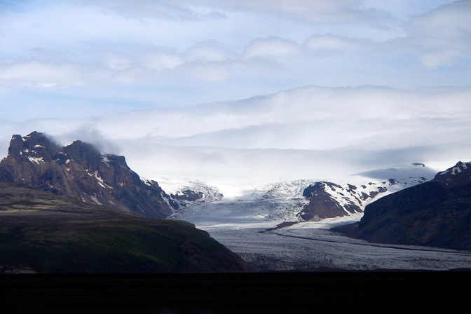 One of the many glaciers coming off Vatnajökull