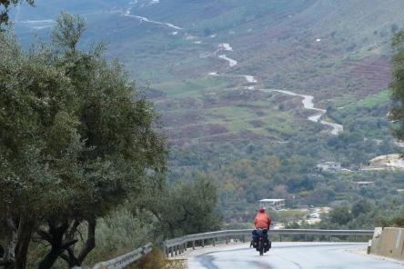 The road to Sarand'ë.