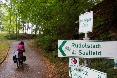 The bike route along the Saale River occasionally climbed a bit: 12 % here.