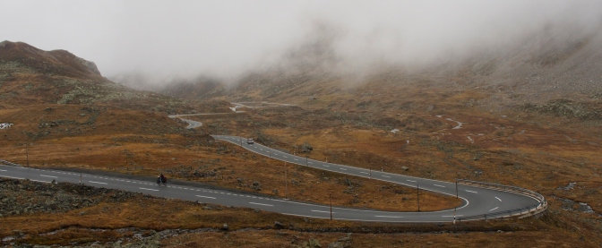 Climbing FlŸüela Pass in the fog.