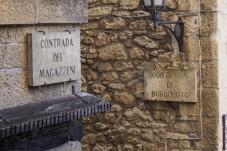 San Marino street signs.