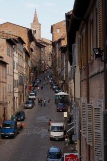 Via Guiseppe Mazzini in Urbino.