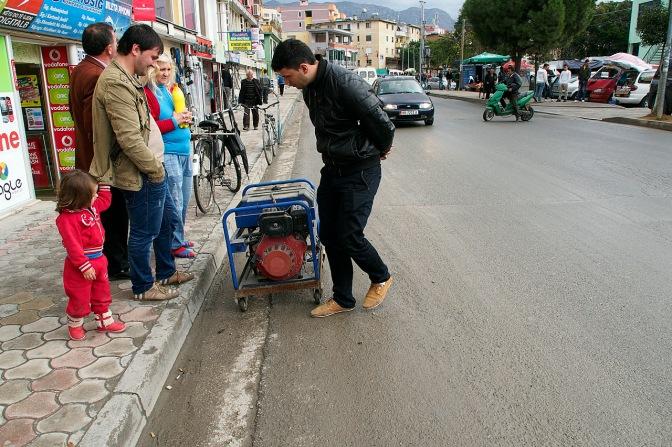 Buying a generator in Fush' Kruj'.