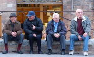 Chewing the fat in Piazza della Republica.