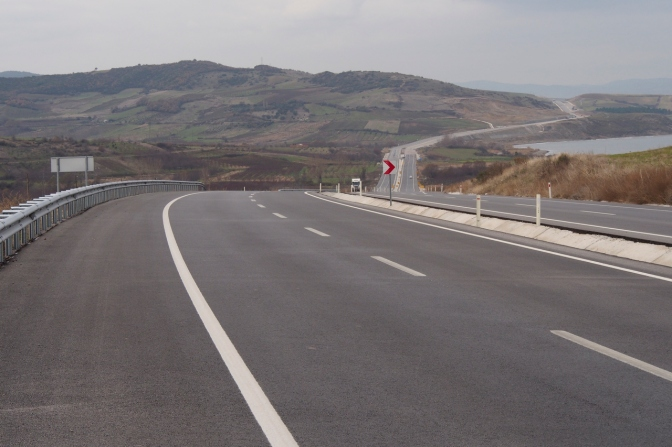 The long empty highway south of the Sea of Marmara.