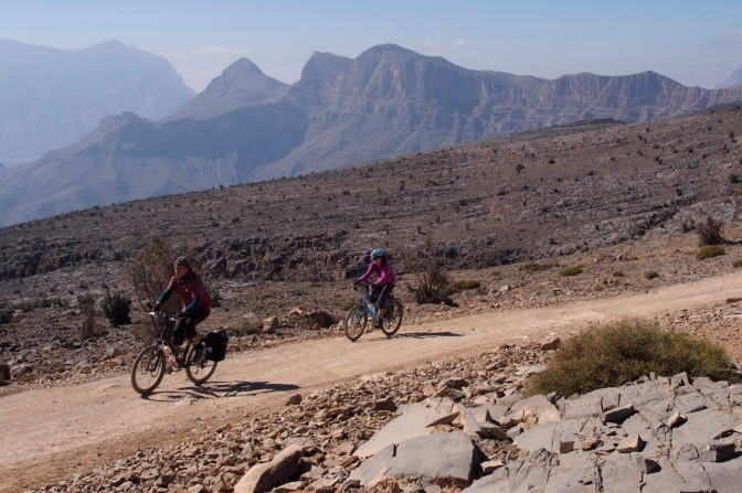 A fun day cycling without the luggage near the top of Jabal Shams.
