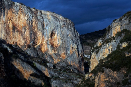Sun going down on the Alquezar canyons.