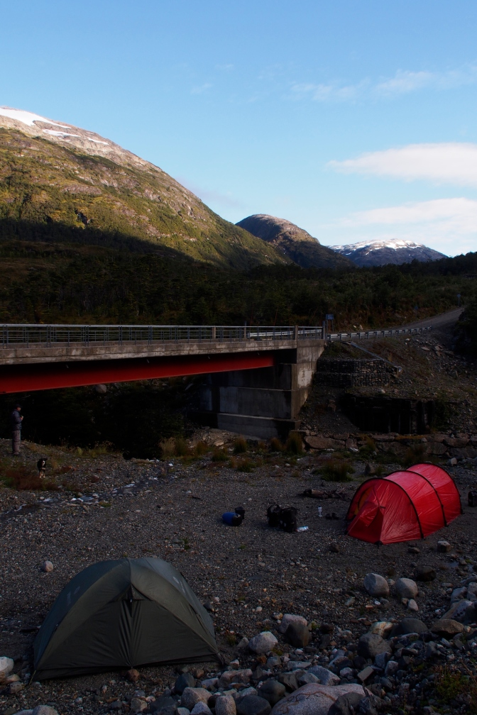Our bridge camp just below the pass north of Puerto Yungay.