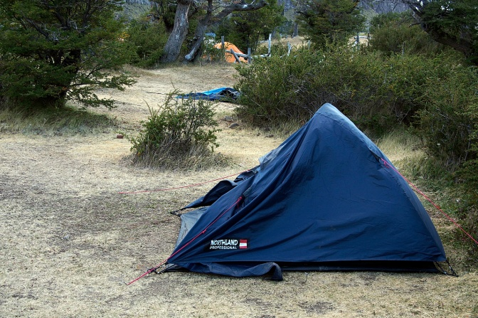 The wind eliminates badly pitched tents.