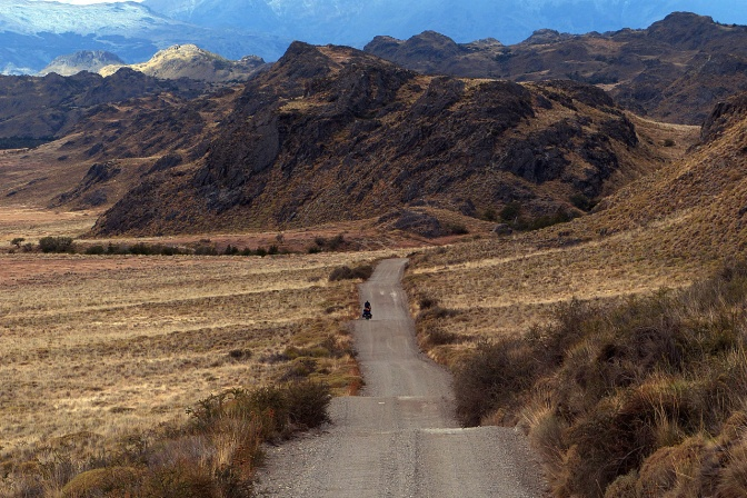The undulating road into the Chacabuco Valley.