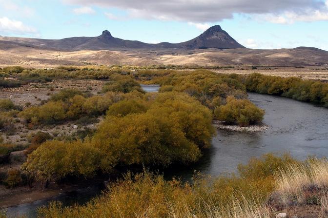 Rio Chimehuin south of Junin De Los Andes.
