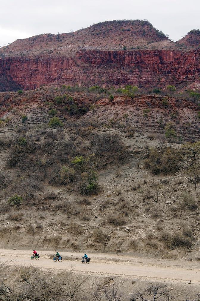 Elmar, Ellen and Jan in the canyon near Pena Colorada.