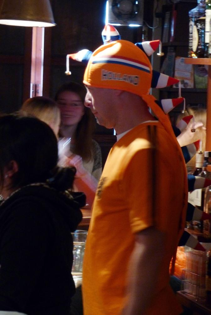 The bar tender at Florin Holland Heineken House in Sucre.