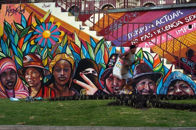 Mural on Avenida 6 de Agosto.