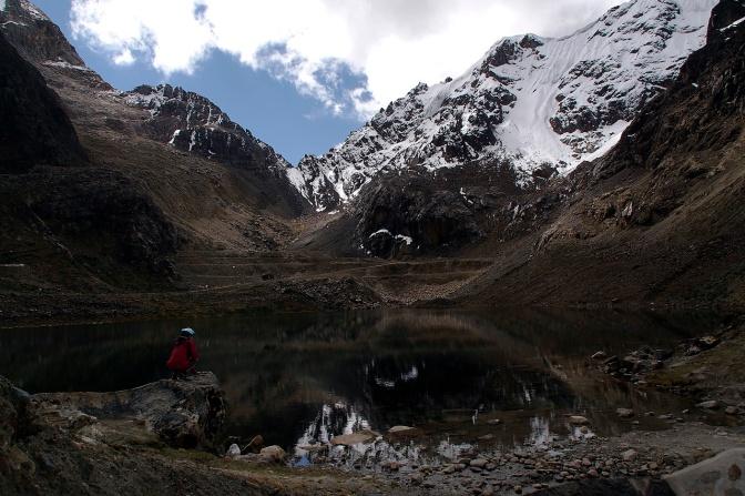 Laguna BelaϜnde in Punta Olimpica Pass.