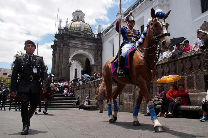 Changing of the guard at the Presidential Palace on Plaza Grande.