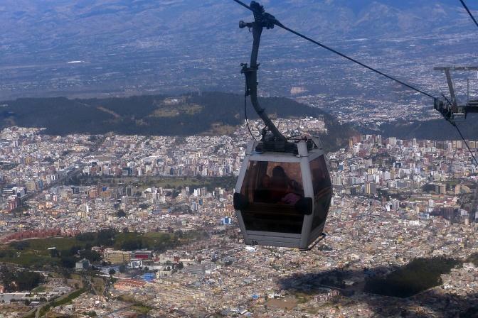 The TelefŽriQo above Quito.