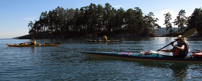 Paddling along the southwest coast of Prevost Island.