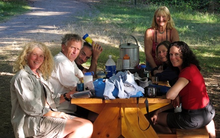 From left: Linda, Don, Pipo, Ivona, Jaynie and Jan at our dinner table at the Shingle Bay camp site.