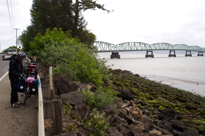 Getting ready to cross the 6-kilometre-long Astoria Bridge across the mouth of the Columbia River.