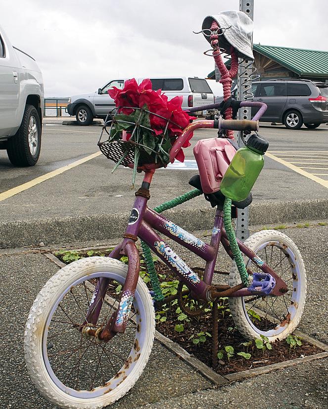 Public bicycle art in Bandon, OR.